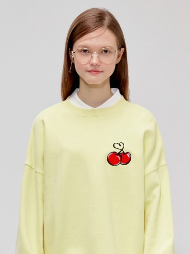 HEART CHERRY SWEATSHIRT IS [YELLOW]