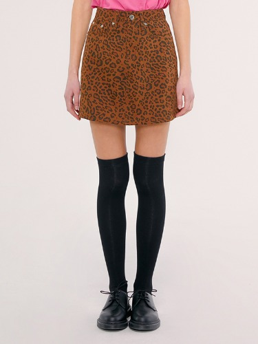 FITTED SKIRT IS [LEOPRAD]