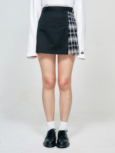 (10월 5일 예약배송)CHECK HALF SKIRT HA [BLACK]