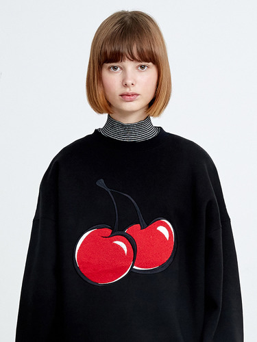 (11월 2일 예약배송)BIG CHERRY SWEATSHIRT HA [BLACK]