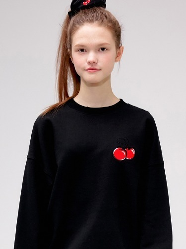 HEART CHERRY SWEATSHIRT IS [BLACK]