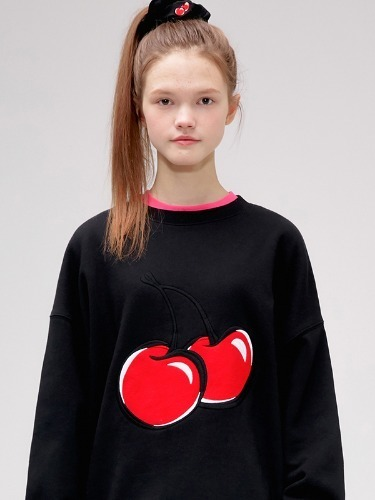 BIG CHERRY SWEATSHIRT IS [BLACK]