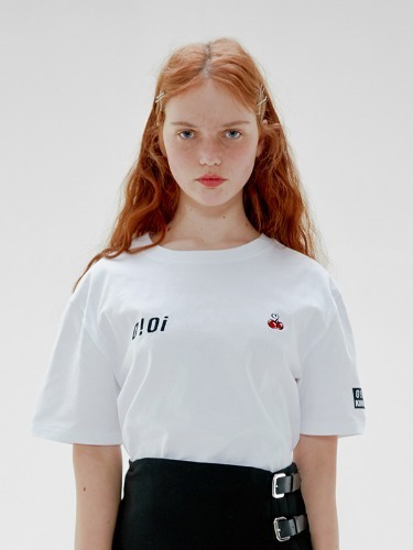 OIOI x KIRSH LOGO T-SHIRTS [WHITE]