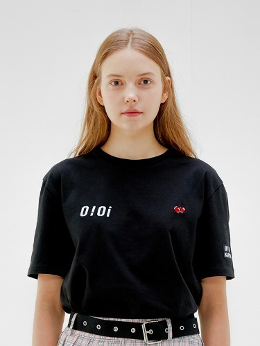 OIOI x KIRSH LOGO T-SHIRTS [BLACK]