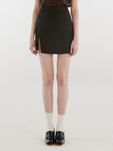 SLIT POINT SKIRT IH [BLACK]
