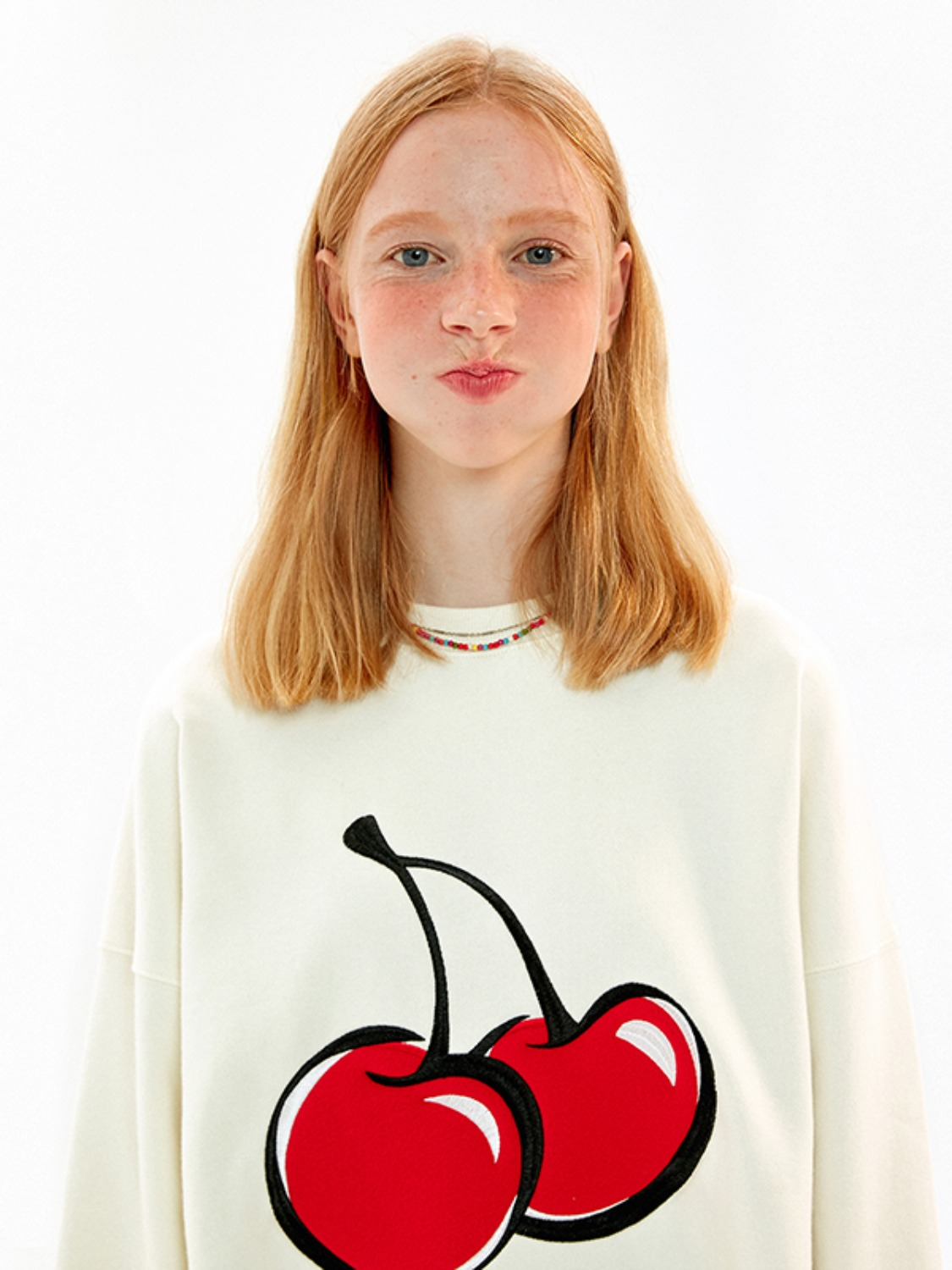 BIG CHERRY SWEATSHIRT JA [IVORY]