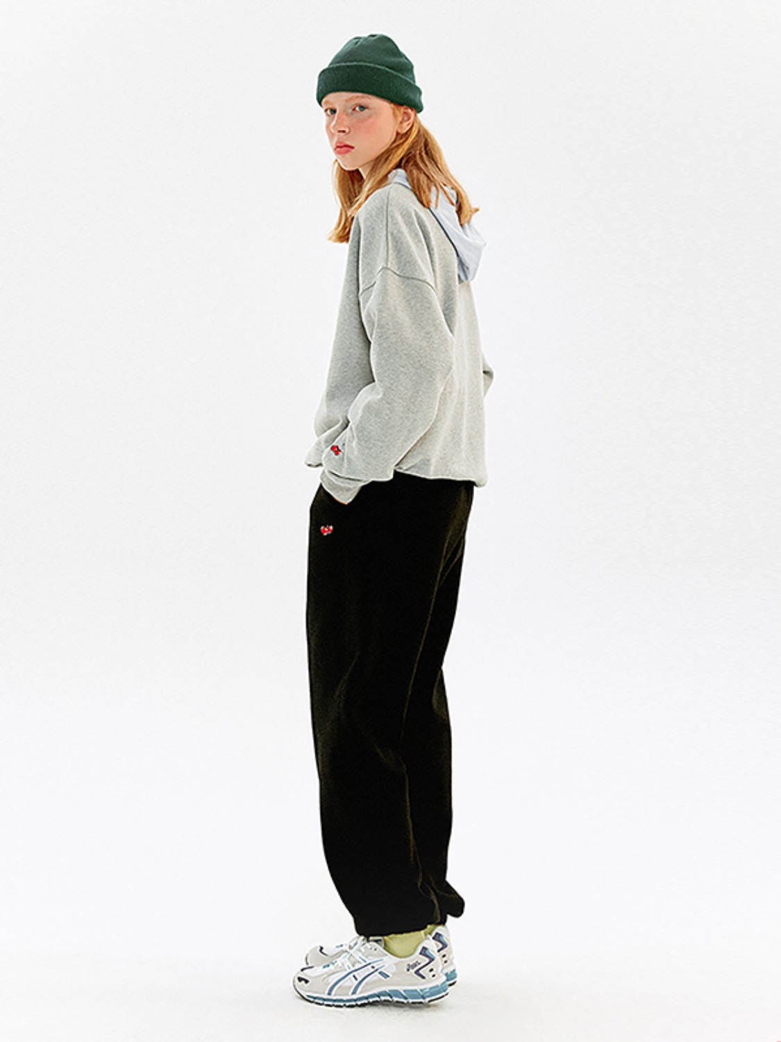 (2월 12일 예약 발송)CHERRY JOGGER LINE PANTS KS [BLACK]
